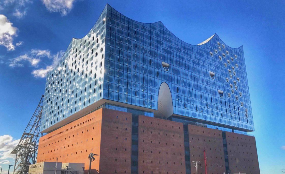 Hamburg Sehenswürdigkeiten: Morgensonne auf der Elbphilharmonie