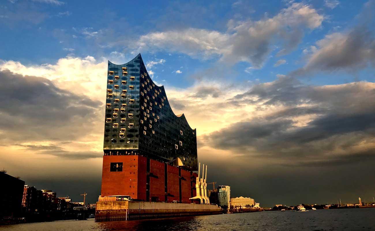 Elbphilharmonie Hamburg Sonnenuntergang Rosinenfischer