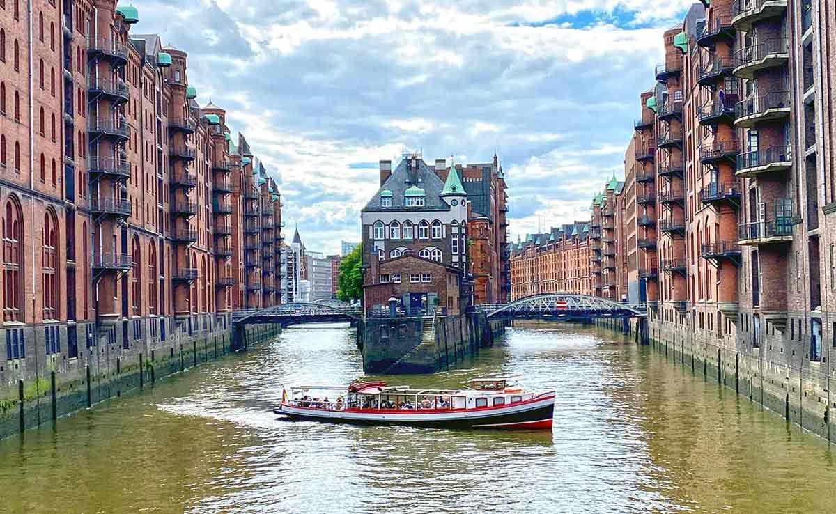 Speicherstadt; Poggenmuehlenbruecke; besondere Stadtführung Hamburg; Hamburg Sehenswürdigkeiten; Hamburg Sightseeing; Unsesco Weltkulturerbe